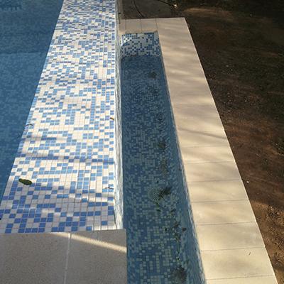 Construcci n de piscinas reformas doce for Piscina infinita construccion